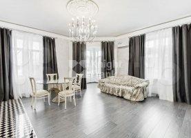 Продается четырехкомнатная квартира, 121 м2, Москва, Тверской бульвар, 19